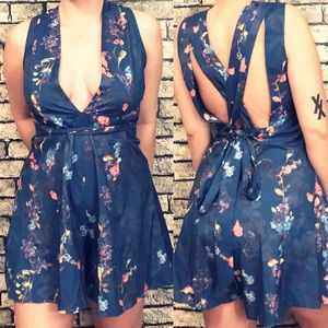 Dresses & Skirts - NWT Floral Surplice Multi Way Romper